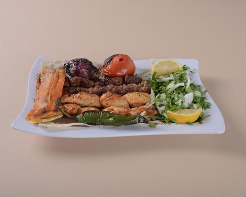 كباب مشكل لحم + دجاج